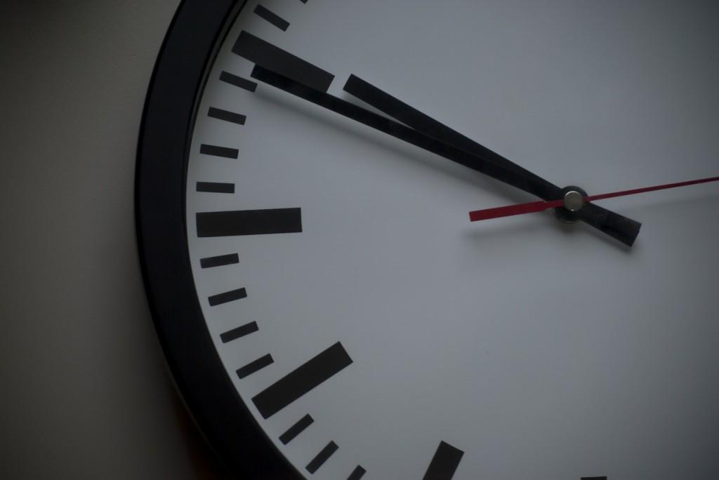 clock-897711_1280