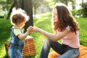 Picnics provide a great way to choose healthier food options at family events